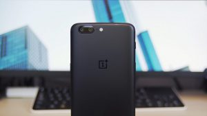 OnePlus 5 Gets Face Unlock Roll Out of Stable OxygenOS 5.0.2